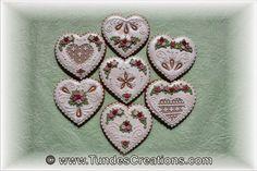 Gingerbrad heart with swirl roses by Tunde Dugantsi