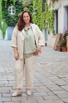 Plus Size Kleidung, Khaki Pants, Style, Fashion, Sustainable Fashion, Sustainability, Curvy Women, Fashion Plus Sizes, Linen Fabric