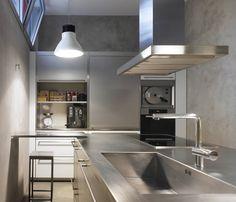 Piero Lissoni's Light Bell pendant lamp puts a stylish spin on industrial chic aesthetics, offering elegance for the kitchen, or wherever low energy, high performance light is required. #flos #floslighting #design #lightingdesign #italiandesign #interiorinspiration #italianlighting #interiordesign #modernlamp #pierolissoni #contemporarylighting #lightingideas #homedecor #kitchenlighting #islandlighting #kitchendesign #flosathome #pierolissoni Led Pendant Lights, Pendant Lamp, Pendant Lighting, Suspended Lighting, Lamp Design, Lighting Design, Long Lights, Light Architecture, Industrial Chic