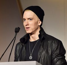Is that the real Slim Shady? Eminem appeared at the Wall Street Journal's Innovator Of the Year Awards in New York City on Wednesday, Nov. and looked noticeably aged and gaunt. New Eminem, Marshall Eminem, Eminem Wallpapers, The Real Slim Shady, Eminem Slim Shady, Rap God, Tim Mcgraw, Celebrity Wallpapers, Maisie Williams