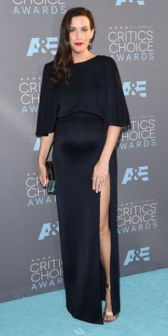 Critics' Choice Awards: Red Carpet Looks You Need to See | People - Liv Tyler in a black high-slit Cushnie et Ochs dress
