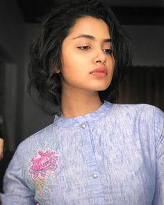 Anupama Parameswaran (aka) Anupama photos stills & images Hollywood Actress Pics, Hollywood Heroines, Indian Film Actress, Indian Actresses, Actress Bikini Images, Anupama Parameswaran, Cute Girl Poses, Bollywood Photos, Bollywood Actress Hot