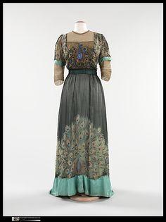 Evening dress, 1910, silk, metal