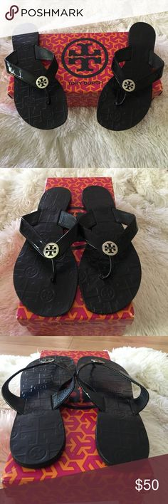 Cute black Tory Burch sandals✨ Cute black Tory Burch sandals✨size 8 only wore a few times! Tory Burch Shoes Sandals