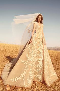 Zuhair Murad Bridal Fall 2020 Fashion Show Collection: See the complete Zuhair M. - Happily Ever After - Vestidos Zuhair Murad Mariage, Zuhair Murad Bridal, Fashion Show Collection, Bridal Collection, Dress Collection, Bridal Dresses, Wedding Gowns, Lace Wedding, Wedding Beauty