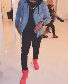 x Street & Luxury at Cocvin Ex Fashion Member 👽🌴 Blazer Fashion, Fashion Outfits, Red Shoes Outfit, Urban Fashion, Mens Fashion, Fashion Menswear, Teen Boy Fashion, Outfits Hombre, Casual Winter Outfits