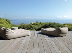sitzsack garten patio bereich gestalten holzdeck panoramablick