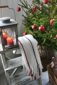 VIBEKE DESIGN: It`s beginning to look alot like christmas.....