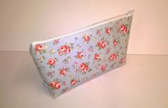 Oilcloth make up bag, Pale blue floral, flat bottom, cosemetic bag, ladies gift £5.50