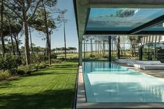 The Wall House by Guedes Cruz Architects - This Modern House in Cascais, Portugal Features a Glass Bottom Pool - Dwell Glass Bottom Pool, Piscina Interior, Moderne Pools, Indoor Swimming Pools, Dream Pools, Floating In Water, Pool Designs, Hotels, Backyard