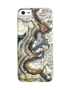 This iPhone Case from Etsy's Dsbrennan Shop Finds Beauty in Nature #phonecases trendhunter.com