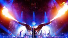 v.l.: Oliver Riedel, Till Lindemann, Flake Lorenz; live NYC Madison Square Garden, 2010