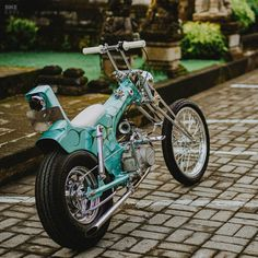 'Lil' Pussy': A Honda Dax chopper with a sense of humor | Bike EXIF 17 Inch Rims, Suzuki Cars, Old School Chopper, Custom Caps, Honda Bikes, Kustom Kulture, Humor, Motorcycles, Mini