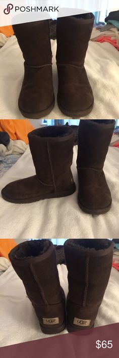 Chocolate (Brown) women's uggs size 6 Chocolate women's uggs size 6. Worn a few times but haven't been worn in about 3 years. In great condition. UGG Shoes