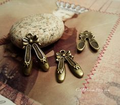 20 pcs of  Antiqued Bronze A Pair of Ballet Princess by CMVision