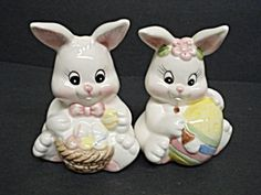 Salt and Pepper Shakers Easter Bunnies