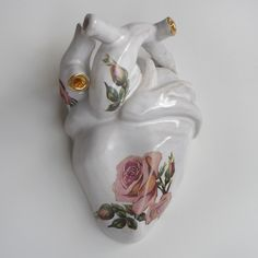 GOLD AND ROSE CERAMIC HEART, Sophie Aguilera