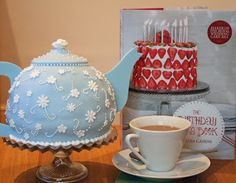 Alice's Teapot Cake | lauralovescakes...