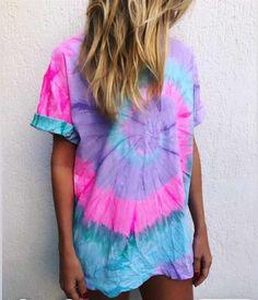 Tye Dye, Camisa Tie Dye, Moda Tie Dye, Outfits Con Camisa, Tie Dye Fashion, How To Tie Dye, Tie Dye Outfits, Love Clothing, Tie Dye Patterns