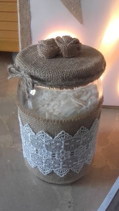 Burlap Mason Jars, Mason Jar Crafts, Mason Jar Diy, Diy Bottle, Bottle Crafts, Crafts To Make, Diy Crafts, Decoupage Glass, Jar Art