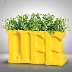 Uma ótima sugestão para a decoração de aparadores é esta palavra life em cerâmica. Também pode ser usada como vaso.