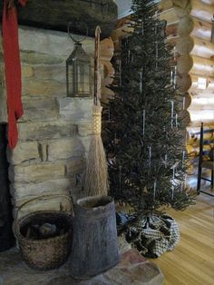 primitive decor under 10 dollars Primitive Christmas Tree, Cabin Christmas, Country Christmas, Simple Christmas, Christmas Trees, Primitive Bathrooms, Primitive Kitchen, Country Primitive, Country Kitchen