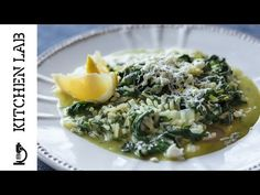 Spinach Rice or Spanakorizo by Greek chef Akis Petretzikis. A super simple, delicious, authentic Greek vegetarian recipe with fresh spinach, aromatics and rice! Spinach Risotto, Spinach Rice, Greek Recipes, Raw Food Recipes, Vegetarian Recipes, Fresh Spinach Recipes, Greek Cooking, Healthy Dishes, Quick Easy Meals