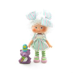 Angel Cake Party Pleaser doll with Souffle Skunk pet
