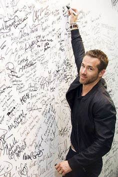 FOLLOW ON INTAGRAM @boysaddicted1 Ryan Deadpool, Ryan Reynolds Deadpool, Ryan Reynolds Style, Jose Ron, Cute Celebrities, Celebs, Marvel, Hollywood Actor, Hollywood Actresses