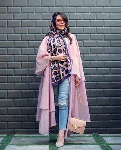 Burqa Fashion, Modern Hijab Fashion, Iranian Women Fashion, Modest Fashion, African Fashion, Fashion Dresses, Persian Girls, Pakistani Dress Design, Curvy Girl Fashion