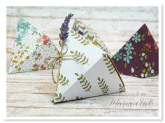 papierrascheln.blogspot.de 》Kreativideen zur Sale-A-Bration No. 4 ⎜ Origami Falt-Dreiecksbox /Verpackung mit Designpapier Wildblumenwiese