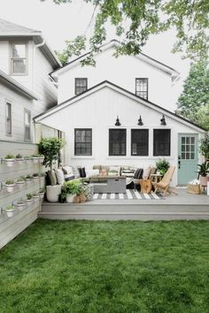 There are many ideas to create beautiful outdoor spaces for you and your family hang out. Check ways to improve your patio, garden or backyard at https://glamshelf.com #homeideas #patiofurniture #patios #patiodecor