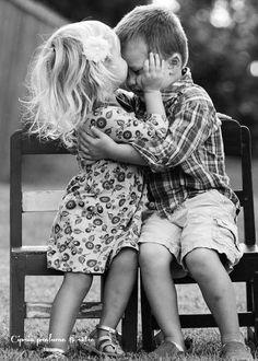 """""""Le uniche due cose importanti nella vita sono l'amore vero ed essere in pace con te stesso.""""  - Jonathan Carroll -"""