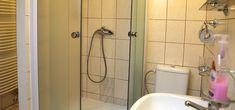 Ubytovanie Svit - Vysoké Tatry ubytovanie v súkromí, privát   www.ubytovaniesvit.sk Bathtub, Bathroom, Standing Bath, Washroom, Bathtubs, Bath Tube, Full Bath, Bath, Bathrooms