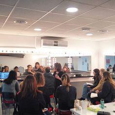 Iniciamos un nuevo curso de maquillaje inicial bienvenidas a todas las #alumnas#solecester #solecester #uñas #maquillaje #peinados #instagood #instalike #academiasolecester#makeup