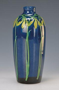 Vase, Majolika, Kandern, Max Laeuger, um 1900, bezeichnet Zehn mit Laeuger Signet, verlaufendes dun