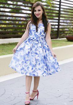 look com vestido ladylike estampado com laço branco e azul sandalia pink (6)