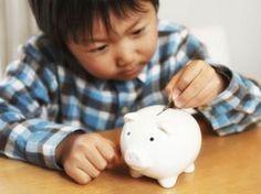 Die Taschengeldtabelle ! .. wieviel ist in welchem Alter angemessen?  HIER LESEN: http://www.mamiweb.de/familie/taschengeldtabelle/1  #taschengeld #taschengeldtabelle #geld #kind #kinder #ausgeben #sparen #konsum #ansparen
