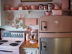 Fantastically pretty pink vintage kitchen. Want...so....badly! :) #kitchen #vintage #pink #1950s #home #decor #kitsch #retro #beautiful