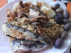 Gachasmigas (con sardinas, cebolla y olivas)