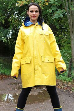 image Pvc Raincoat, Plastic Raincoat, Yellow Coat, Yellow Raincoat, Latex Suit, Rainy Day Fashion, Rubber Raincoats, Country Wear, Rain Suit