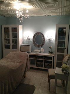 Facial room! LindsayLondon Beauty