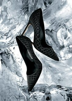 Holiday Gift Guide (1) : Manolo Blahnik's BB pumps and Christian Louboutin's Pigalle pumps   the CITIZENS of FASHION