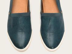 FRYE | Melanie Slip On - Black Simple Shoes, Everyday Shoes, Vintage Leather, Espadrilles, Loafers, Slip On, Sneakers, Black, Fashion