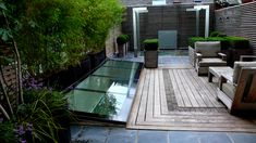 http://www.prenticeglass.co.uk/wp-content/uploads/2010/03/Roof-Lighs-and-Patent-Roofs.jpg