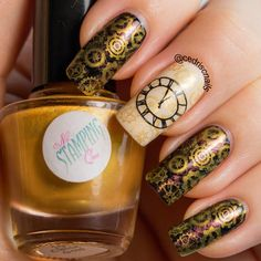Clock nails. Used a dry brush technique with ILNP Nostalgia over black. Cogs are from Bundle Monster BM415 using Nail stamping queen classic gold stamping polish. Clock face is from Messy Mansion MM02 over OPI My vampire is buff.
