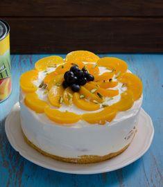 Tort cu piersici si iaurt - Din secretele bucătăriei chinezești Cake, Desserts, Martha Stewart, Food, Drink, Pies, Recipes, Tailgate Desserts, Deserts