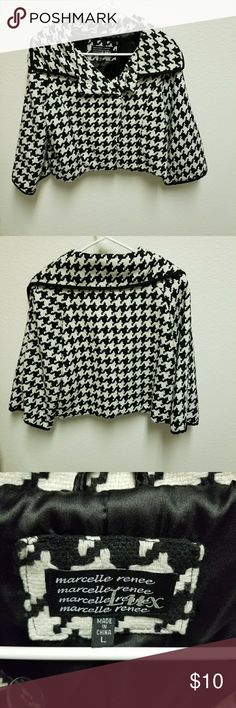 """Marcelle Renee Lux Houndstooth Shrug Blazer Double snap button closure at neckline with open front, Lined. Measurements: 17"""" Across the chest, 18"""" Length, 15"""" Sleeve length. Label says Large- meadures like a medium. Great condition. Marcelle Renee Lux Jackets & Coats Blazers"""