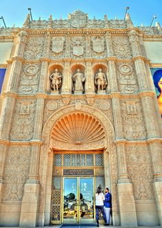 previous pinner: San Diego Museum of Art, Balboa Park. They have over 10 museums at Balboa Park and you can walk down the hill to San Diego Zoo. At Balboa Park the center walkway looks out to the Pacific Ocean...very beautiful!!!