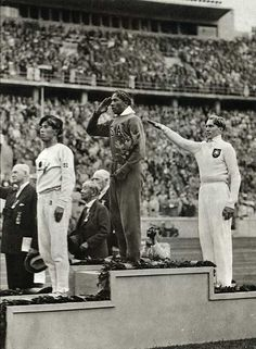 Jesse Owens, 1936 Olympics in Germany - Pissing off Hitler! Jesse Owens, the son of a sharecropper and grandson of slaves, won a record 4 gold medals at the 1936 games, annihilating the racist myth of white superiority in the presence of Adolph Hitler. 1936 Olympics, Berlin Olympics, Summer Olympics, Special Olympics, Us History, History Facts, Black History, History Photos, Jesse Owens